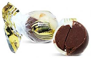 maitre truffout pralinka bílá a mléčná čokoláda lískooříškový krém